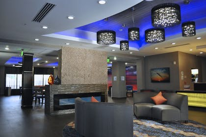 Lobby | Holiday Inn Express & Suites Oklahoma City Southeast I-35
