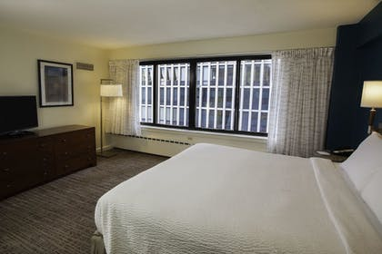 Guestroom | Residence Inn by Marriott Chicago Downtown Magnificent Mile