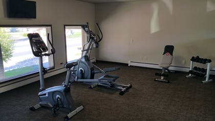 Fitness Facility | Sandhill Inn & Suites