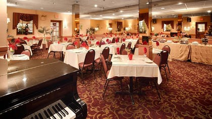 Restaurant | Best Western Plus Morristown Inn