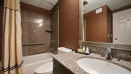 Bathroom | Best Western Plus Morristown Inn