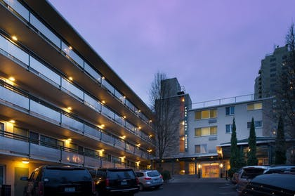 Featured Image   Park Lane Suites and Inn