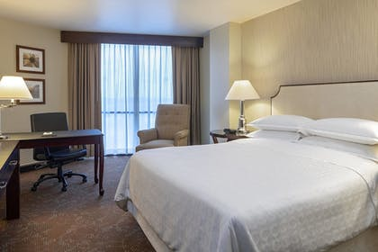 Guestroom | Sheraton Houston Brookhollow Hotel