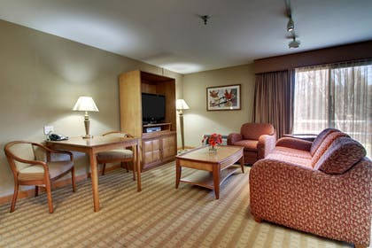 Guestroom | Best Western At Historic Concord