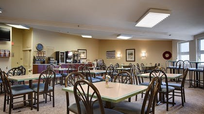 Breakfast Area | Best Western At Historic Concord