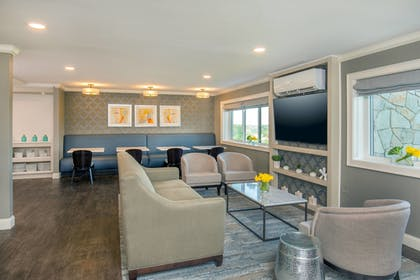 Hotel Bar | Sheraton Framingham Hotel & Conference Center