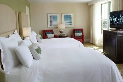 Guestroom | The Vinoy Renaissance St. Petersburg Resort & Golf Club