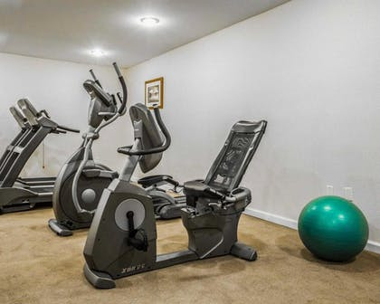 Fitness Facility | Clarion Inn & Suites at the Outlets of Lake George