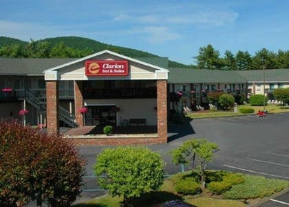Featured Image | Clarion Inn & Suites at the Outlets of Lake George