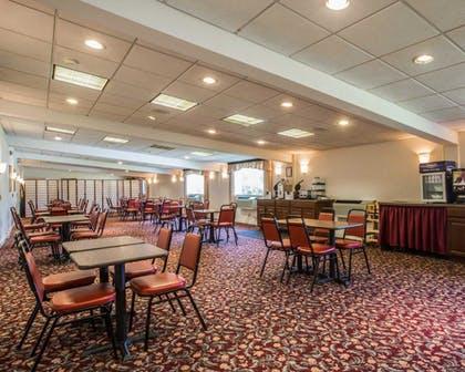 Breakfast Area | Clarion Inn & Suites at the Outlets of Lake George