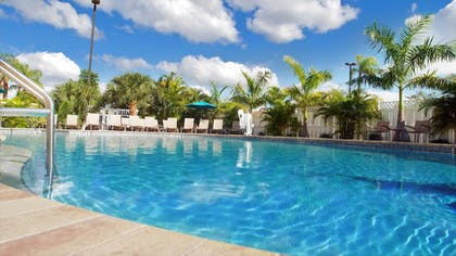 Pool | Best Western Plus Siesta Key Gateway