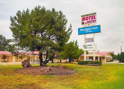 Exterior | Budget Inn and Suites