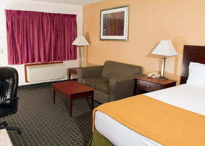 Guestroom | Budget Inn and Suites