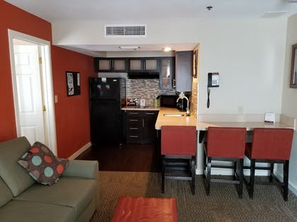 Guestroom | Staybridge Suites Lake Buena Vista