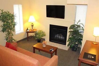 Guestroom   Chase Suite Hotel Tampa