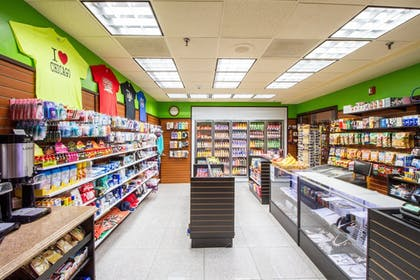Gift Shop | Holiday Inn Chicago North Shore