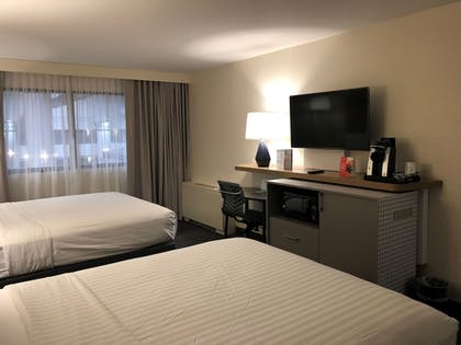 In-Room Amenity | Holiday Inn Chicago North Shore
