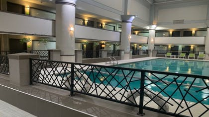 Pool | Holiday Inn Chicago North Shore
