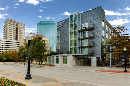 Hotel Front | Fairfield Inn & Suites Fort Worth Downtown/Convention Center