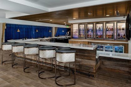 Hotel Bar | Fairfield Inn & Suites Fort Worth Downtown/Convention Center
