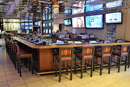 Hotel Bar | Wyndham Garden Carson City Max Casino