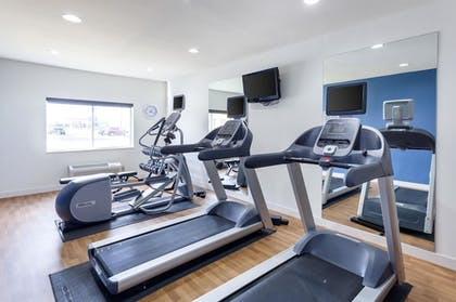 Fitness Facility | Comfort Suites University