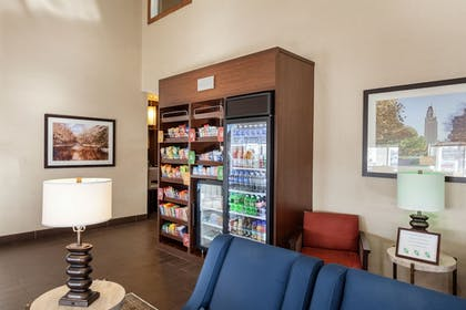 Food and Drink | Comfort Suites University