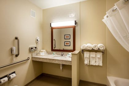 Bathroom | Comfort Suites University