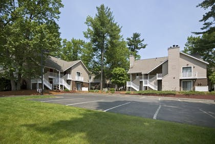 Courtyard View | Residences at Daniel Webster