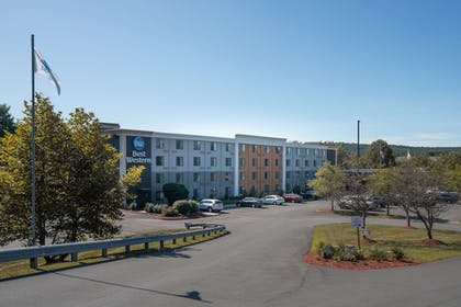 Exterior | Best Western Inn at Hunt's Landing