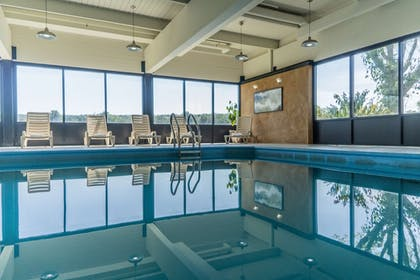 Pool | Best Western Inn at Hunt's Landing