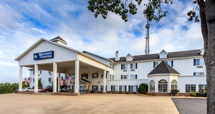 Hotel Front | Branson Towers Hotel