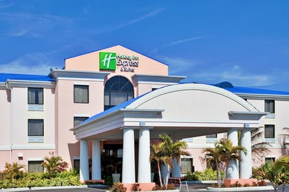 Featured Image | Holiday Inn Express Hotel & Suites Lake Okeechobee