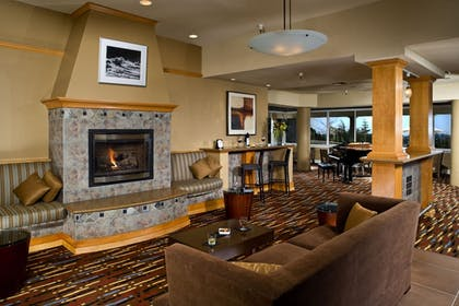 Hotel Lounge | Chaminade Resort & Spa
