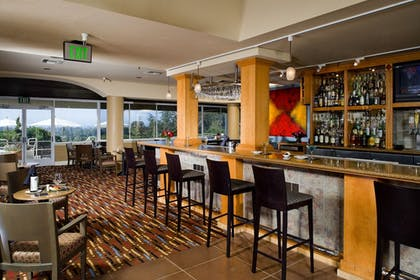 Hotel Bar | Chaminade Resort & Spa