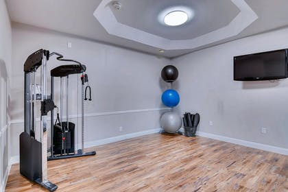 Fitness Studio | Orangewood Inn & Suites Midtown