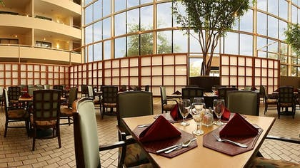 Restaurant | Atrium Hotel and Suites
