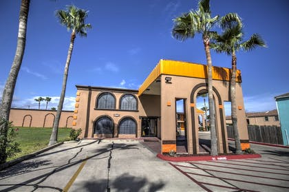 Hotel Front | South Padre Island Inn