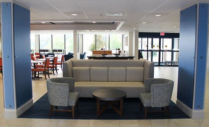 Lobby | Holiday Inn Express Atlanta W/ I-20/ Douglasville