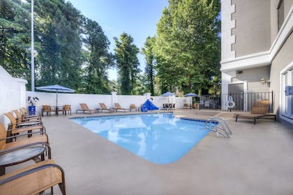 Outdoor Pool | Courtyard by Marriott Raleigh Crabtree Valley