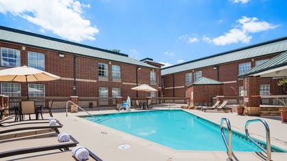 Outdoor Pool | Best Western Plus Addison/Dallas Hotel