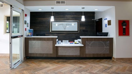 Reception | Best Western Plus Addison/Dallas Hotel