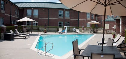 Pool | Best Western Plus Addison/Dallas Hotel