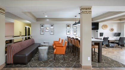 Lobby | Best Western Plus Addison/Dallas Hotel