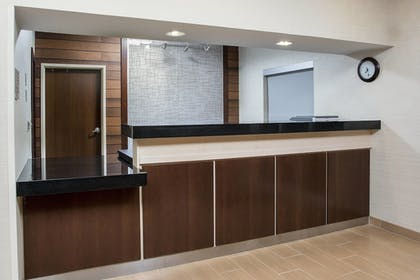 Lobby | Fairfield Inn & Suites Victoria