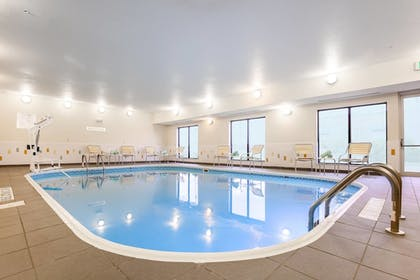 Pool | Fairfield Inn & Suites Victoria