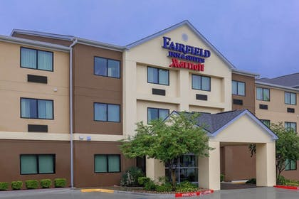 Exterior | Fairfield Inn & Suites Victoria