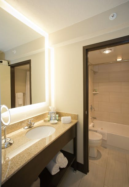 Bathroom | DoubleTree by Hilton Hotel Park City - The Yarrow
