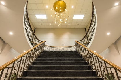 Staircase | The Madison Concourse Hotel and Governor's Club