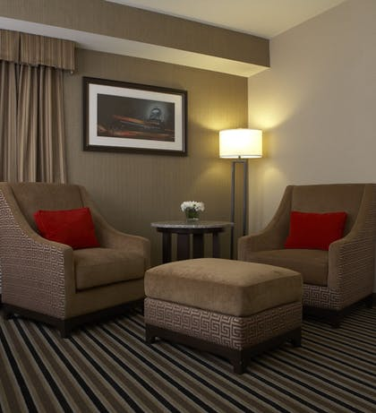 Guestroom | The Madison Concourse Hotel and Governor's Club